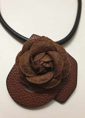 Колие BROWN ROSE